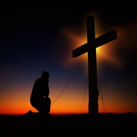 cropped-prayer-at-cross