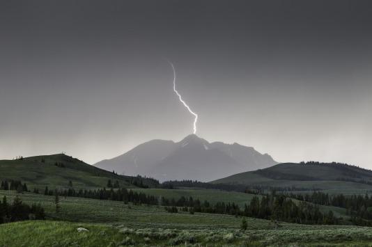 lightning-880154_1920